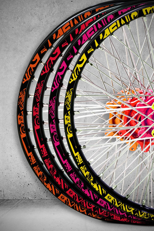 Grunge Felgenaufkleber Mit Neuen Farbkombinationen